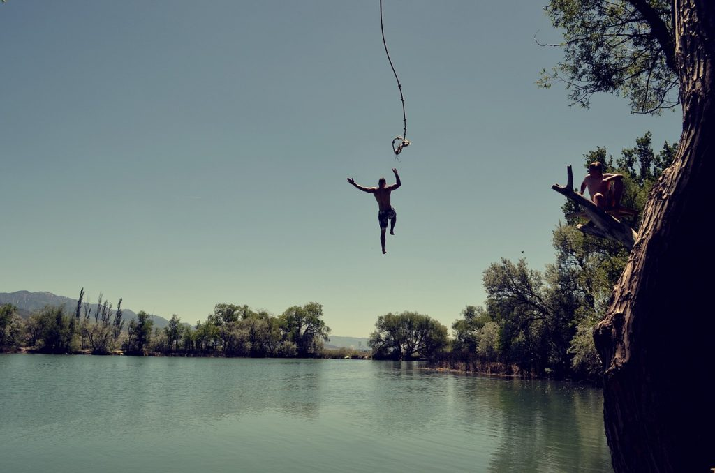 rope swing jump water